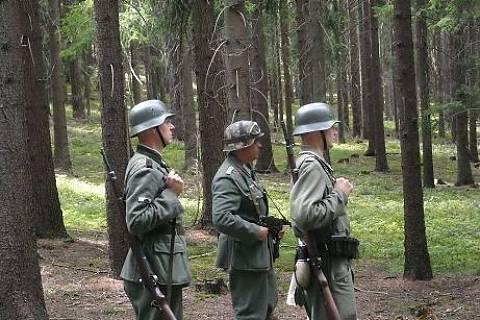FOTKA - chlapy a vojáci