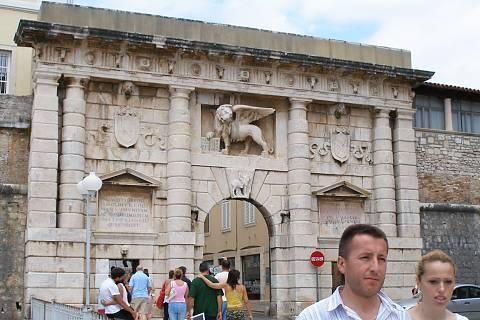 FOTKA - Vstupní brána