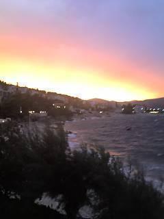 FOTKA - západ slunce nad rozbouřeným mořem