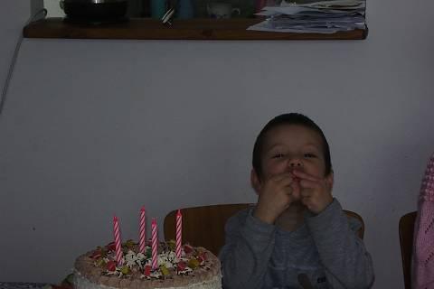FOTKA - Kristiánek s dortem