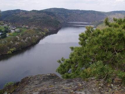 FOTKA - a dole Vltava
