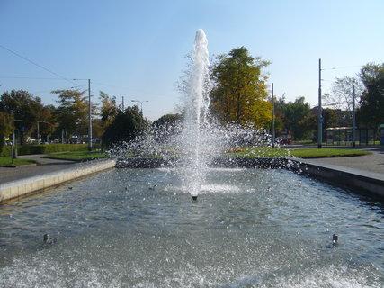 FOTKA - Pardubice - fontána...