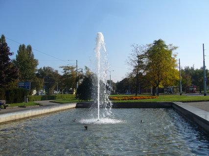 FOTKA - Pardubice - fontána....