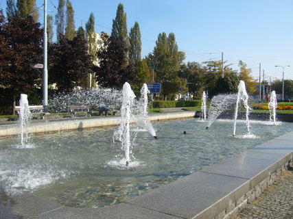 FOTKA - Pardubice - fontána.......