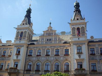FOTKA - Pardubice - Pernštýnské náměstí, radnice