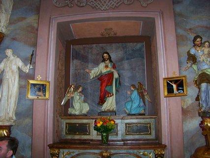 FOTKA - třetí oltář s Ježíšem Kristem