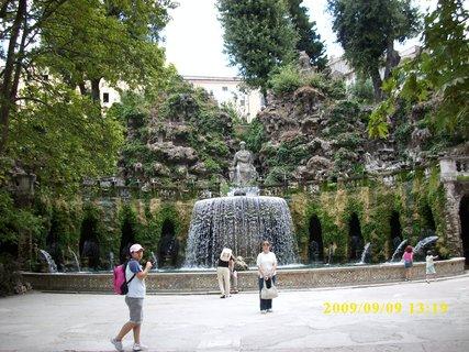 FOTKA - Zahrada Vila De Este - Tivoli - Itálie