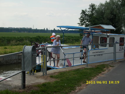 FOTKA - Batˇův kanál u Babic