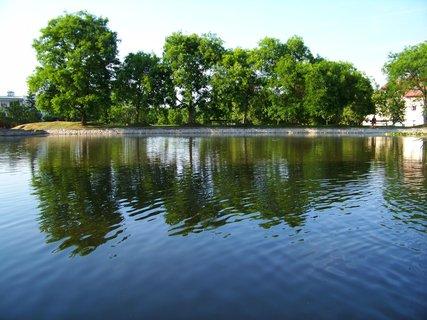 FOTKA - rybník Ohrada, pohled naproti...
