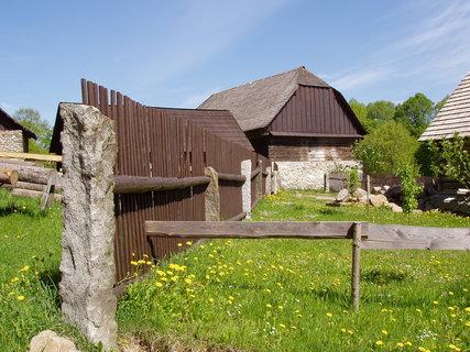 FOTKA - záchranný projekt pro zachování lidové architektury zde funguje od 90.let 20. století (Chanovice)