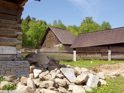FOTKA - skanzen v Chanovicích je tvořen převážně roubenými chalupami nebo stodolami z podhůří Šumavy