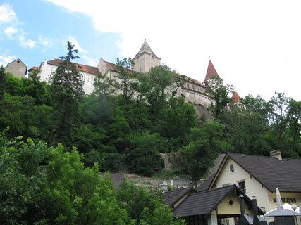 FOTKA - Celkový pohled na hrad Křivoklát