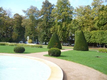 FOTKA - Lázeňský park.............
