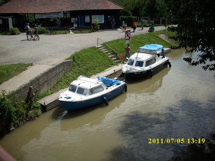 FOTKA - Batˇův kanál, přístav Strážnice