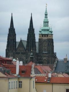 FOTKA - V dáli Katedrála sv. Víta