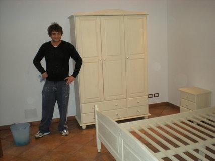 FOTKA - skrin a postel nam daly zabrat!