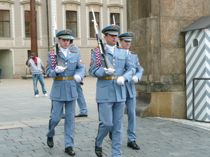 FOTKA - Pražský hrad - výměna stráží,
