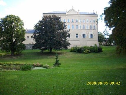 FOTKA - 2008 - ..a zámek Chýše