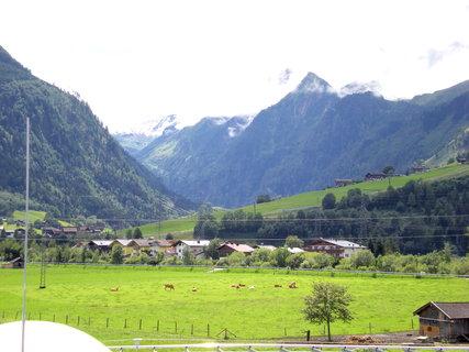 FOTKA - Pohled na Kaprun od Tauern Spa 2