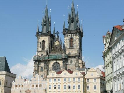 FOTKA - Praha - Staroměstské náměstí - Týnský chrám.