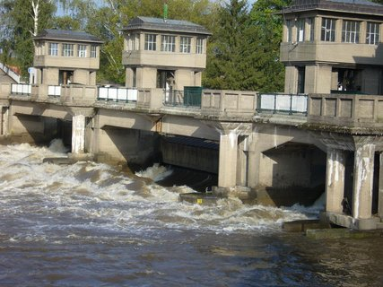 FOTKA - Vodní elektrárna.....