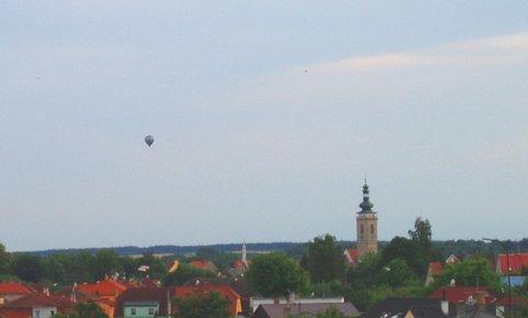 FOTKA - balón nad městem