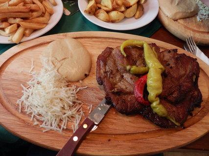 FOTKA - i ve chvíli nejtěžší potrava vždy potěší :-)
