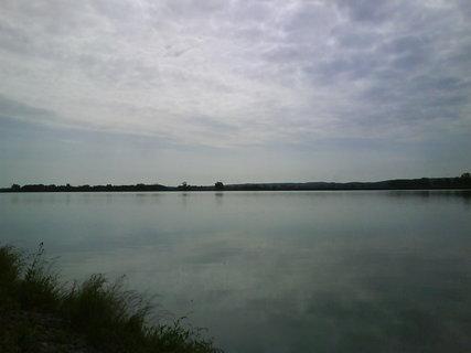 FOTKA - u rybníka vládla pohoda a klid jen komárů kdyby nebylo