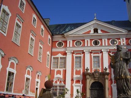 FOTKA - klášter v Broumově   ..
