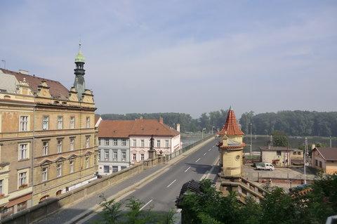 FOTKA - Pohled ze zámku - most přes Labe