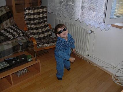 FOTKA - táák..a mužem vyrazit..Tomik jde poprvé do školky