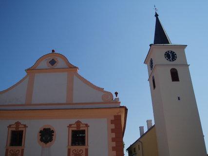FOTKA - kostel a radnice - Velešín