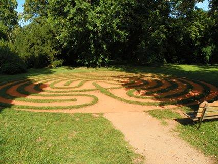 FOTKA - Labyrinty-asi jediné v čechách n zámku Loučeň