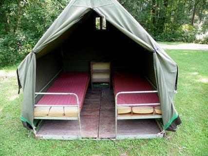 FOTKA - Vzpomínáte jak se bydlelo na pionýrském táboře?