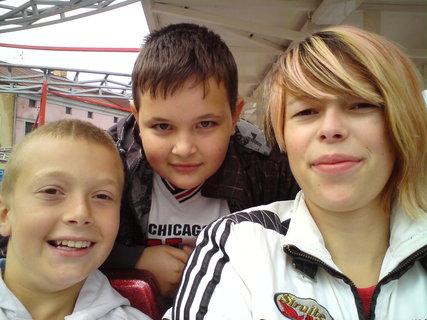 FOTKA - jJá, moje sestra a bratránek