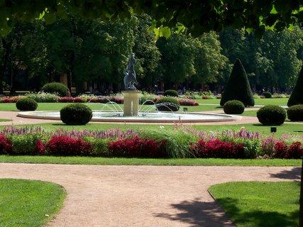 FOTKA - Kašna v parku Poděbrady