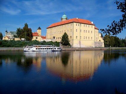 FOTKA - Zradlení zámku v Poděbradech