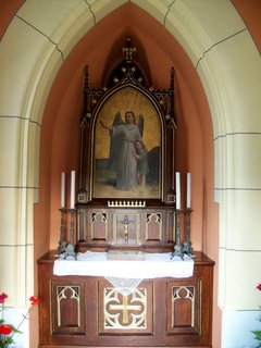 FOTKA - Nově opravená a vysvěcená kaplička v obci