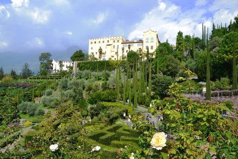 FOTKA - zámek a zahrady v Meranu