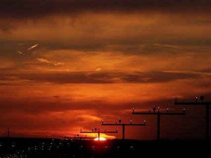 FOTKA - Zářijový západ u letiště