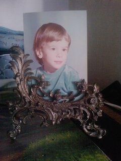 FOTKA - starožitný rámeček a vzpomínkové foto syna