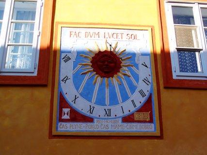 FOTKA - Sluneční hodiny v Kolíně