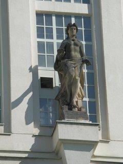 FOTKA - detail výzdoby na Podolské vodárně, Praha