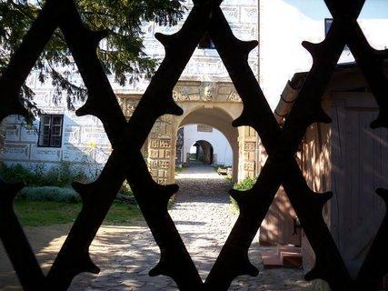 FOTKA - Šmírování za hradní bránu
