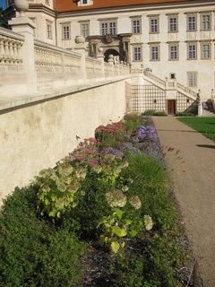 FOTKA - Vstup do zámku z parku