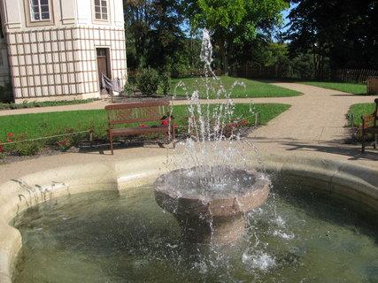 FOTKA - Park s vodotryskem