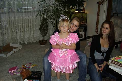 FOTKA - 5.narozeniny Kikiny a máma s tetou