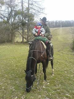 FOTKA - Ondrášek na koni