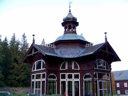FOTKA - Karlova Studánka zaujme návštěvníky krásnými domy