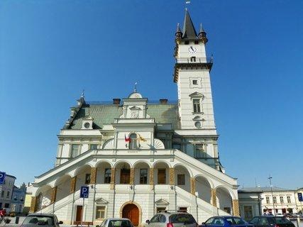 FOTKA - Úničovská  radnice s 45m vysokou věží s pavlačí